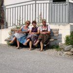 Drei Mädels in Tracht